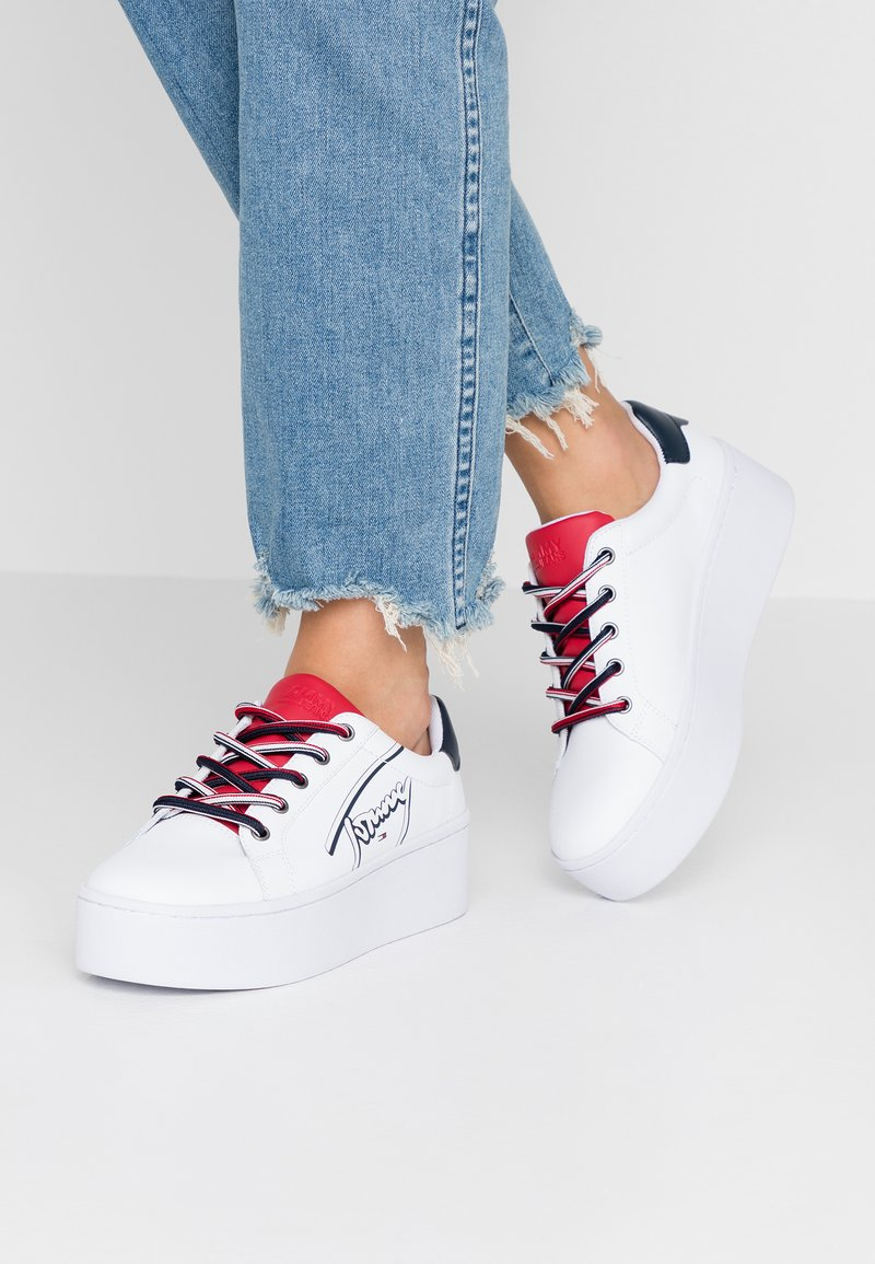 Tommy Jeans - ICON SIGNATURE FLATFORM - Trainers - white