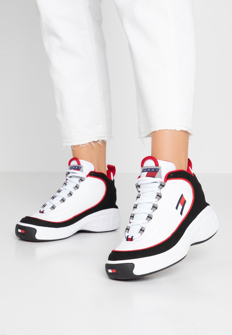 Tommy Jeans - HERITAGE LACE UP - Trainers - white