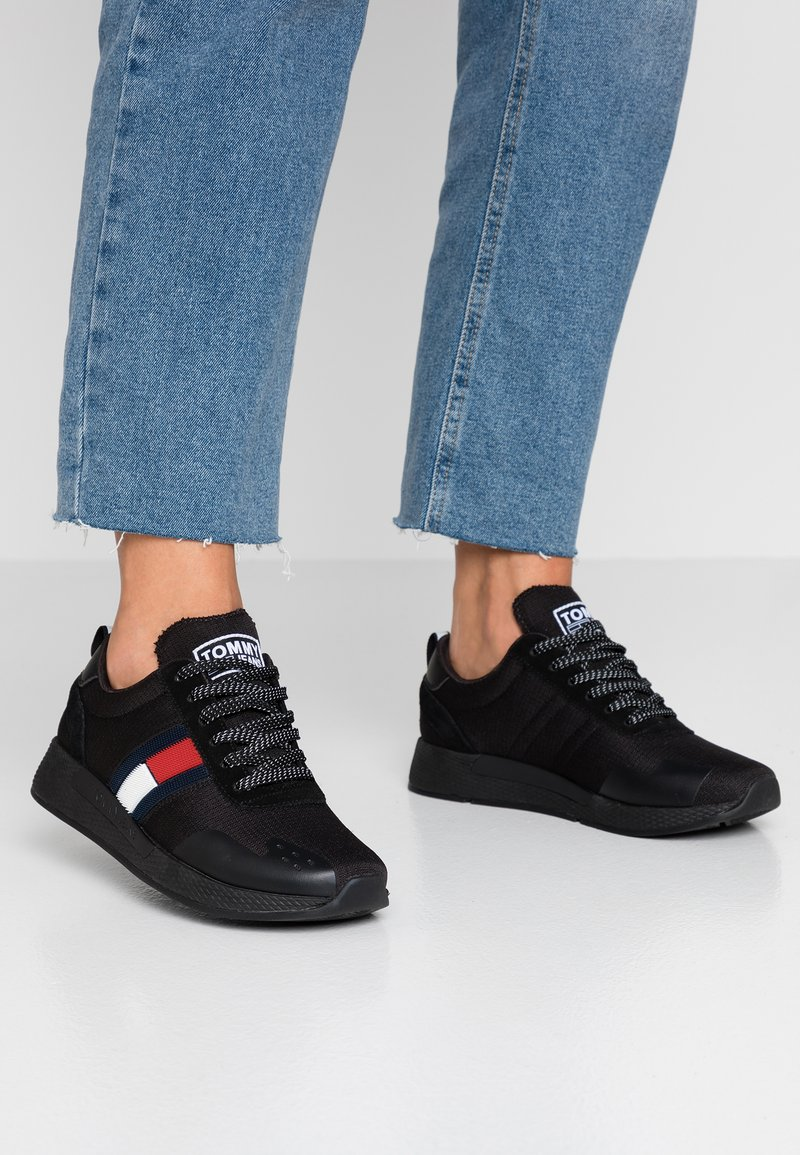 Tommy Jeans - TECHNICAL PIN LOGO SNEAKER - Sneakers - black
