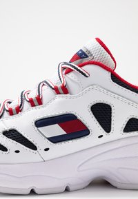 Tommy Jeans - WMNS NEVIS 1C3 - Trainers - white - 2