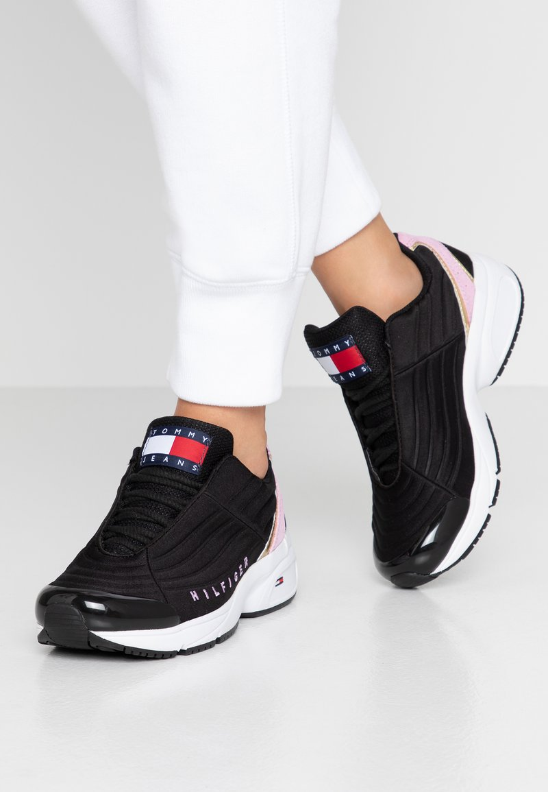 Tommy Jeans - WMN HERITAGE TOMMY JEANS  - Sneakers - black