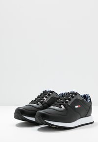 Tommy Jeans - WMNS CASUAL TOMMY JEANS SNEAKER - Baskets basses - black - 4