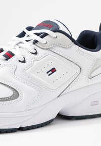 Tommy Jeans - PHIL  - Sneakersy niskie - white - 2