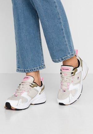 PHIL  - Sneakers laag - pumice stone