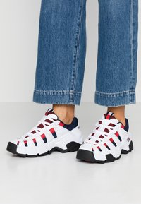 Tommy Jeans - JAWZ  - Trainers - red/white/blue - 0