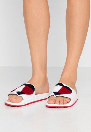 GIZMO 3D - Pantofle - white