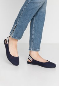 Tommy Jeans - CHUNKY TAPE SLINGBACK - Slingback ballet pumps - twilight navy - 0