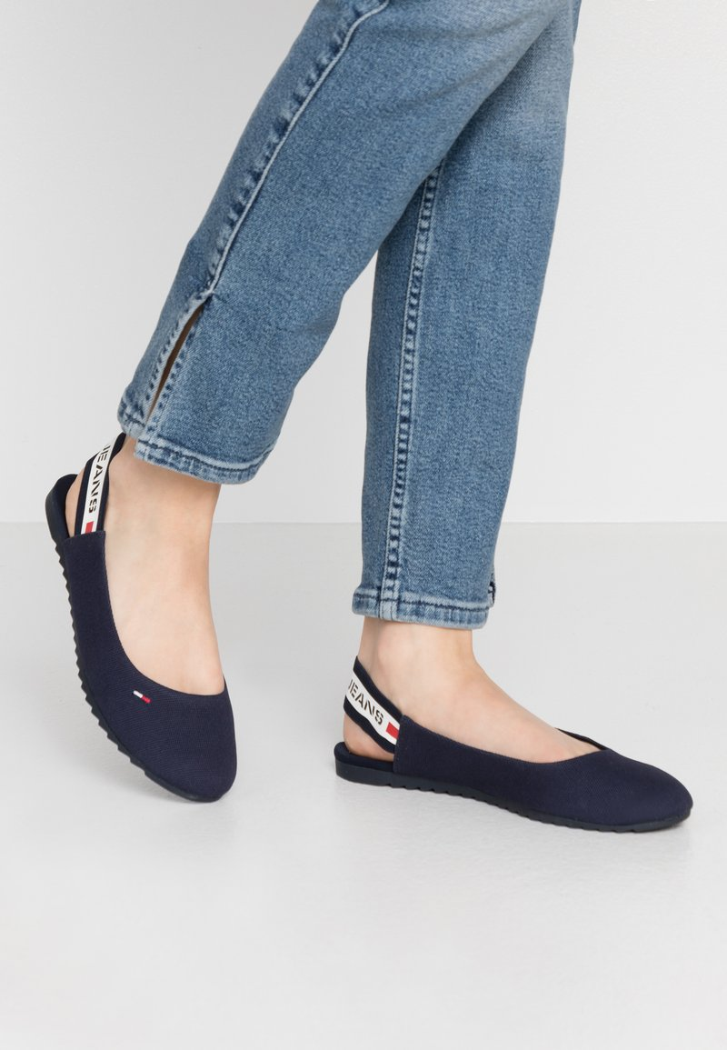 Tommy Jeans - CHUNKY TAPE SLINGBACK - Slingback ballet pumps - twilight navy