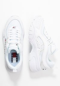 Tommy Jeans - HERITAGE TOMMY JEANS WMNS RUNNER - Sneakers laag - white - 3