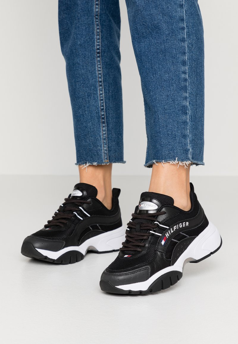 Tommy Jeans - HERITAGE TOMMY JEANS WMNS RUNNER - Sneakers - black
