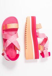 Tommy Jeans - POP COLOR FLATFORM SANDAL - Platform sandals - blush red - 3