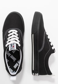 Tommy Jeans - LOWCUT ESSENTIAL - Tenisky - black - 3