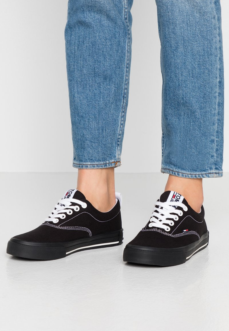 Tommy Jeans - LOWCUT ESSENTIAL - Tenisky - black