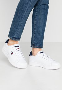 Tommy Jeans - WMNS CUPSOLE HERITAGE SNEAKER - Trainers - white - 0