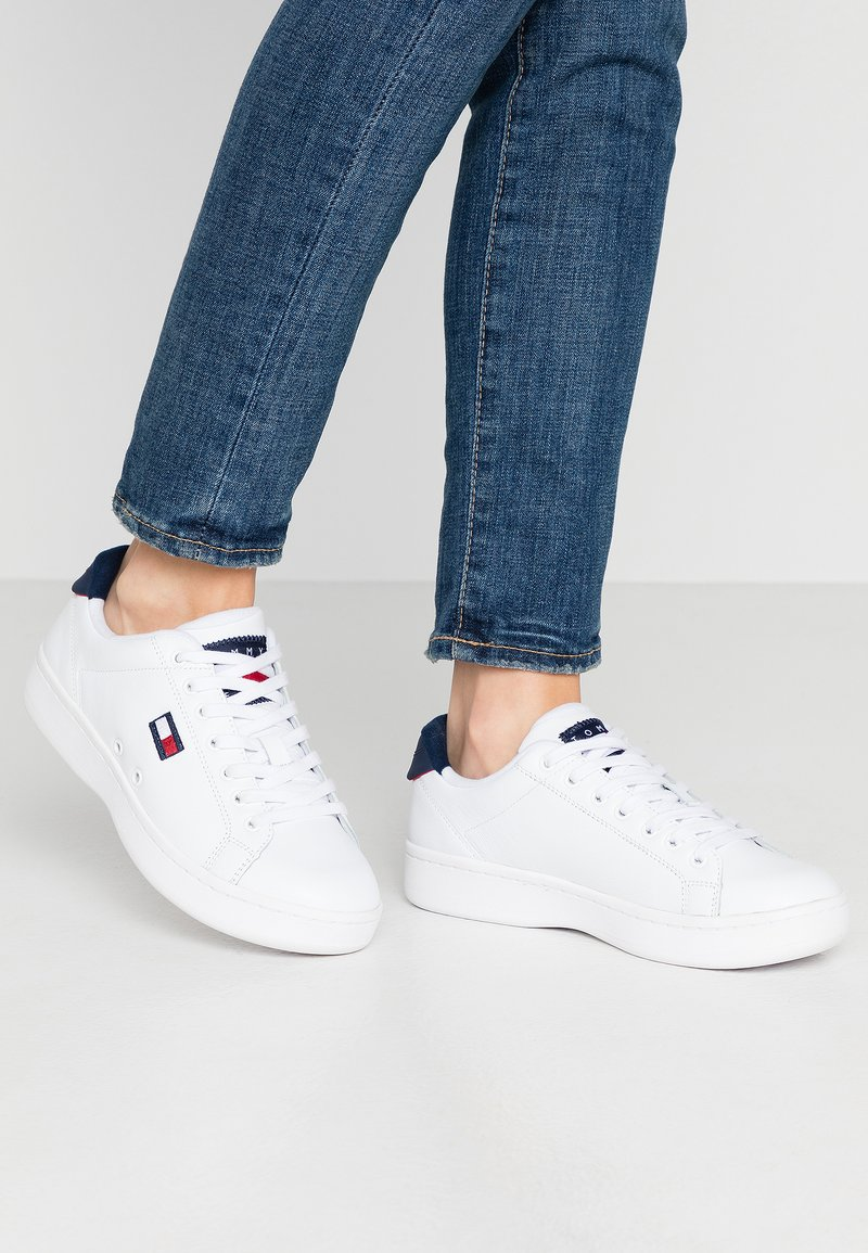 Tommy Jeans - WMNS CUPSOLE HERITAGE SNEAKER - Trainers - white