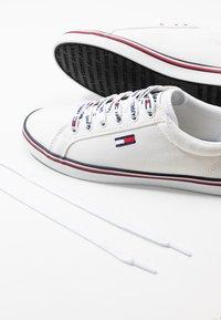 Tommy Jeans - HAZEL  - Sneaker low - white - 7