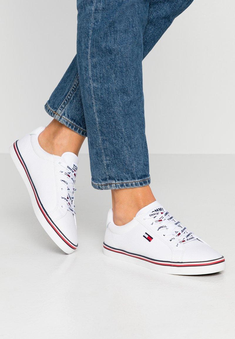 Tommy Jeans - HAZEL  - Sneaker low - white