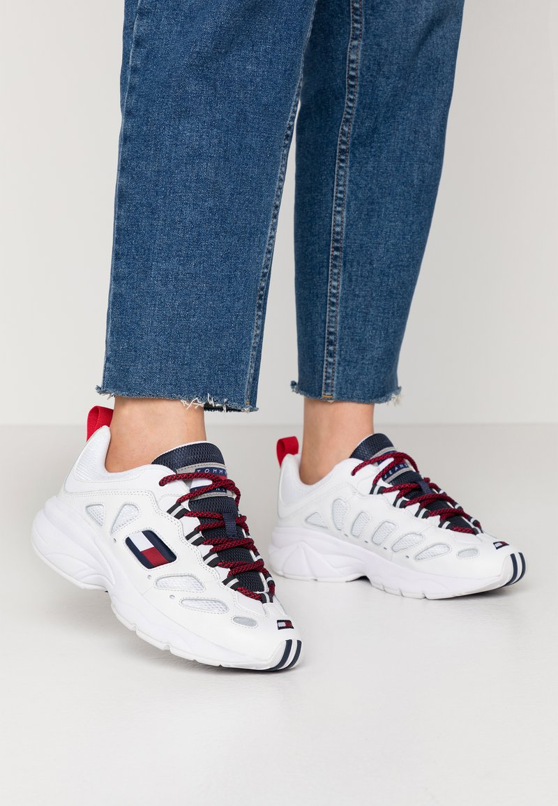 Tommy Jeans - WMNS NEVIS 1C4 - Trainers - white