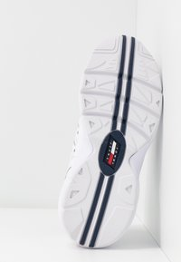 Tommy Jeans - WMNS NEVIS 1C4 - Trainers - white - 6