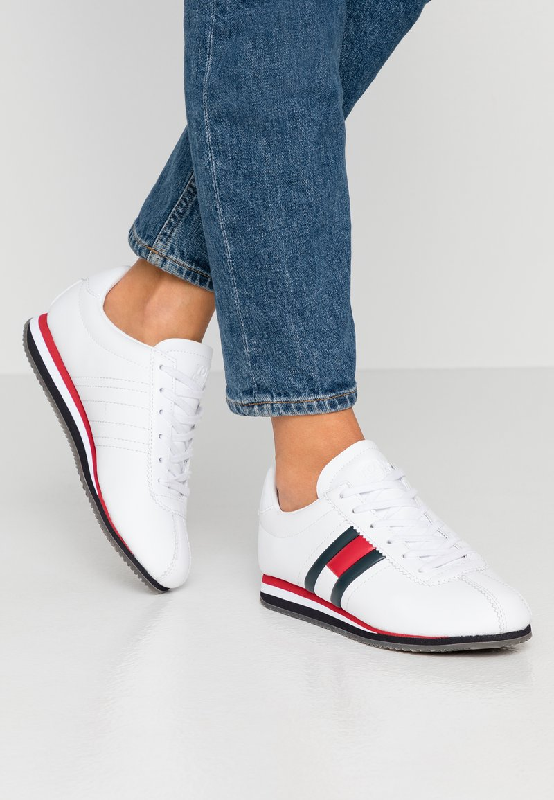 Tommy Jeans - WMNS RETRO FLAG SNEAKER - Baskets basses - white