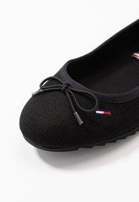 Tommy Jeans - COLOR BLOCK BALLERINA - Baleríny - black - 2