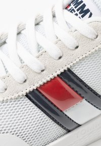 Tommy Jeans - Sneakers laag - white - 2