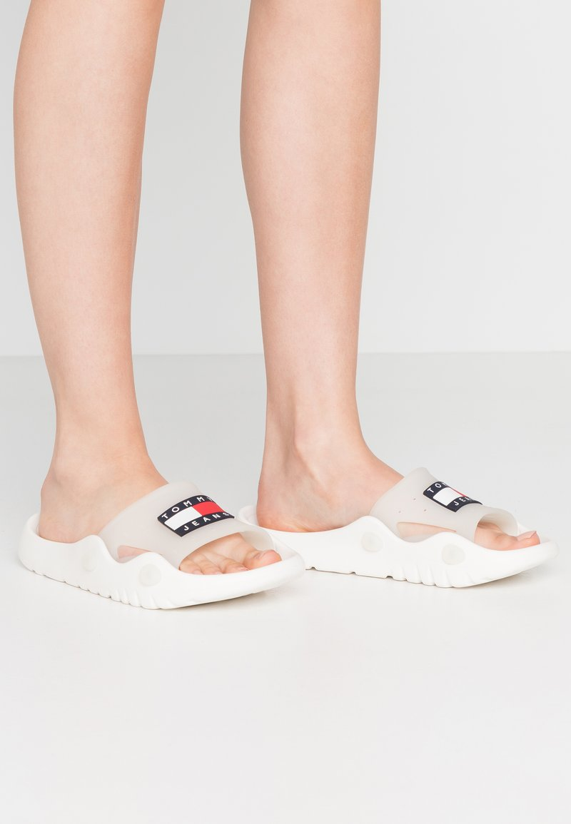 Tommy Jeans - FREEDOM  - Badslippers - white