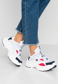Tommy Jeans - WMNS FASHION CHUNKY RUNNER - Sneakers laag - red/white/blue - 0