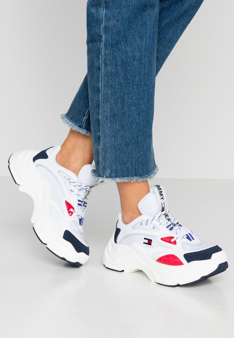 Tommy Jeans - WMNS FASHION CHUNKY RUNNER - Sneakers laag - red/white/blue