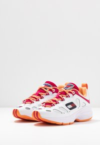 Tommy Jeans - WMNS NEVIS 1C5 - Sneakers laag - white - 4