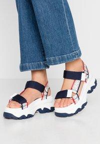 Tommy Jeans - POP COLOR HYBRID SANDAL - Platform sandals - twilight navy - 0
