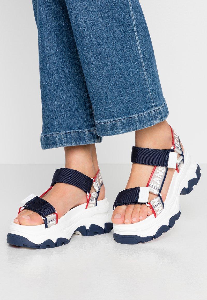 Tommy Jeans - POP COLOR HYBRID SANDAL - Platform sandals - twilight navy