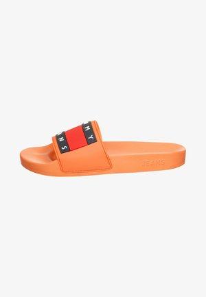 TOMMY JEANS FLAG POOL SLIDE - Pool slides - melon orange