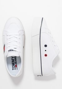 Tommy Jeans - FLATFORM FLAG  - Trainers - white - 3