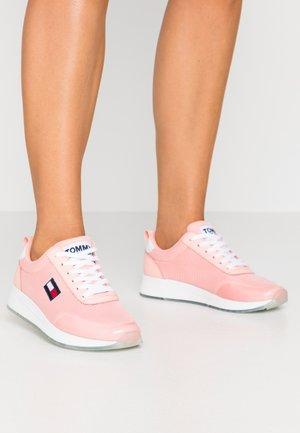FLEXI RUNNER - Sneakers laag - sweet peach