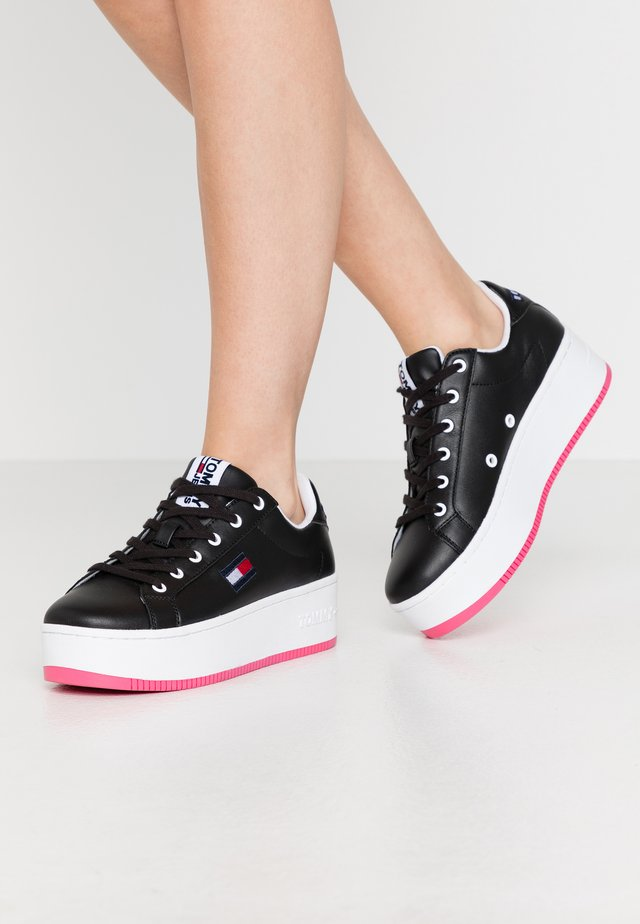 ICONIC FLATFORM  - Sneakersy niskie - black