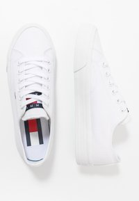 Tommy Jeans - LONG LACE UP - Sneakersy niskie - white - 3