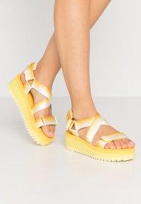 Tommy Jeans - DEGRADE TAPE FLATFORM - Platform sandals - lemon - 0