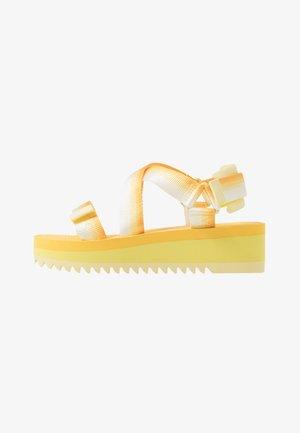 DEGRADE TAPE FLATFORM - Sandály na platformě - lemon
