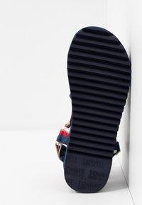 Tommy Jeans - DEGRADE TAPE FLATFORM - Sandalen met plateauzool - twilight navy - 6