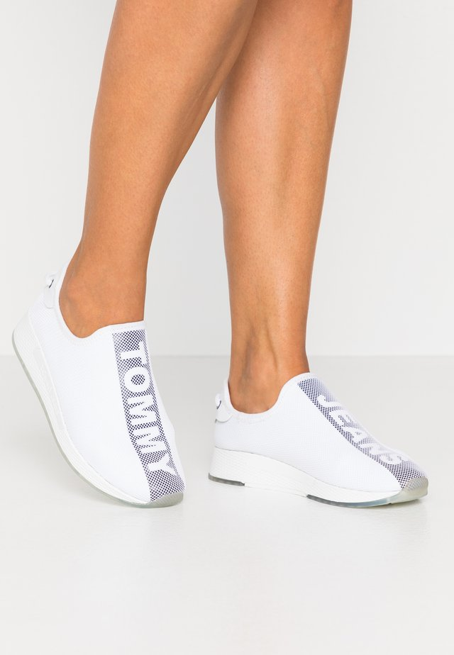 TECHNICAL FLEXI  - Slip-ons - white