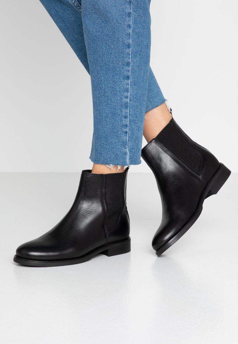 Tommy Jeans - PIN LOGO CHELSEA BOOT - Bottines - black