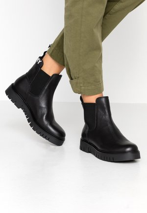 YVONNE 6A - Ankle Boot - black