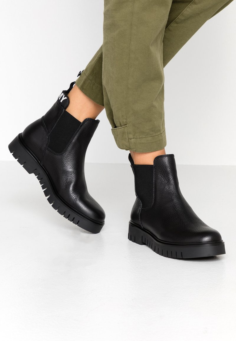Tommy Jeans - PADDED TONGUE CHELSEA BOOT - Ankle Boot - black