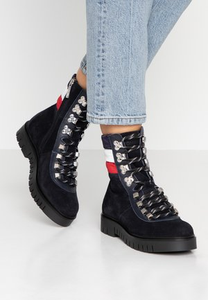 PADDED LACE UP BOOT - Botki sznurowane - blue