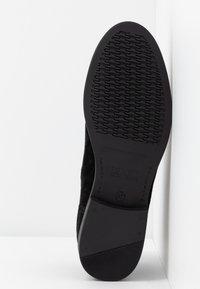 Tommy Jeans - CORPORATE ELASTIC CHELSEA BOOT - Kotníková obuv - black - 6