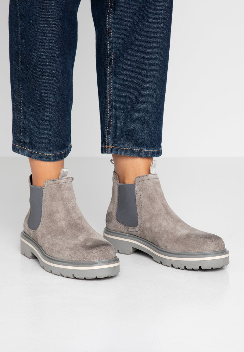 Tommy Jeans - REFLECTIVE DETAIL CHELSEA BOOT - Ankelboots - grey