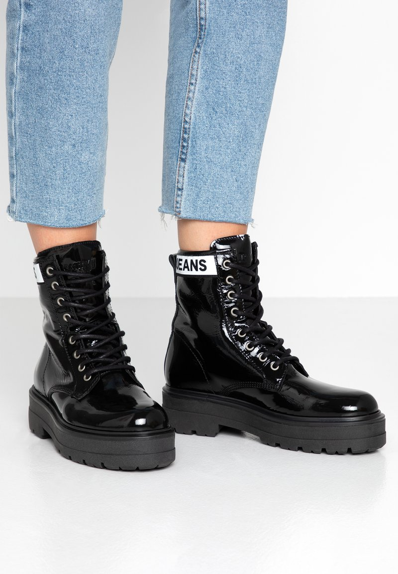 Tommy Jeans - PATENT LEATHER FLATFORM BOOT - Platform ankle boots - black