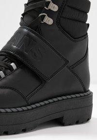 Tommy Jeans - ELEVEN 2C - Cowboystøvletter - black - 2