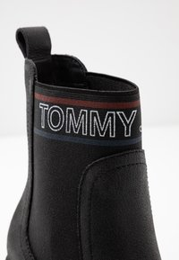 Tommy Jeans - CORPORATE ELASTIC LEATHER BOOT - Ankle boots - black - 2